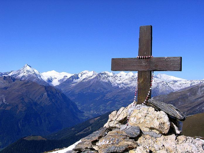 Foto: Andreas Koller / Wander Tour / Vom Glocknerblick auf den Mohar (2604m) / Großglockner (3798 m) und Mohat-Gipfelkreuz / 30.09.2008 22:39:20