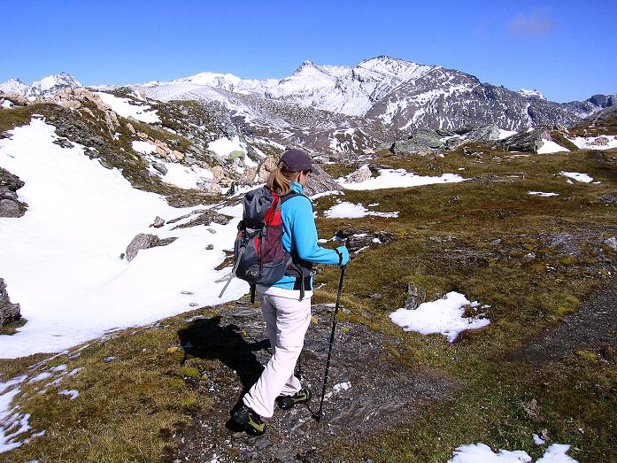 Foto: Andreas Koller / Wander Tour / Vom Glocknerblick auf den Mohar (2604m) / Vom Gipfel nach NO hinab ins Göritzer Törl / 30.09.2008 22:35:32