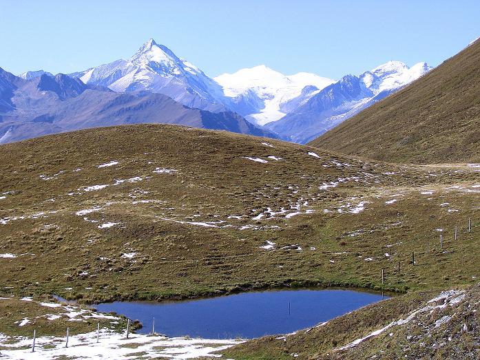 Foto: Andreas Koller / Wander Tour / Vom Glocknerblick auf den Mohar (2604m) / Schöne Seenaugen sind romantische Rastplätze im Abstieg vom Mohar. / 30.09.2008 22:33:48
