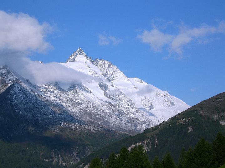 Foto: Andreas Koller / Wander Tour / Fuscherkarkopf (3336m) - Überschreitung / Der Großglockner (3798 m) / 02.10.2008 03:03:23