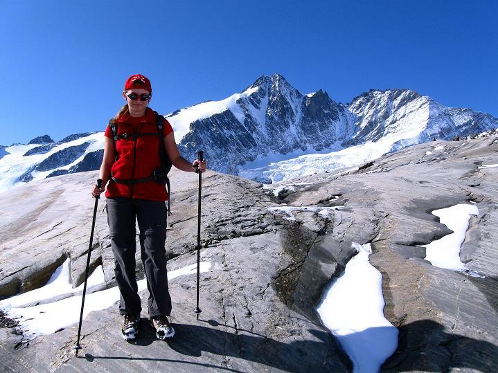 Foto: Andreas Koller / Wander Tour / Fuscherkarkopf (3336m) - Überschreitung / Auf den plattigen Felsen des Wasserfallwinkels / 02.10.2008 02:58:49