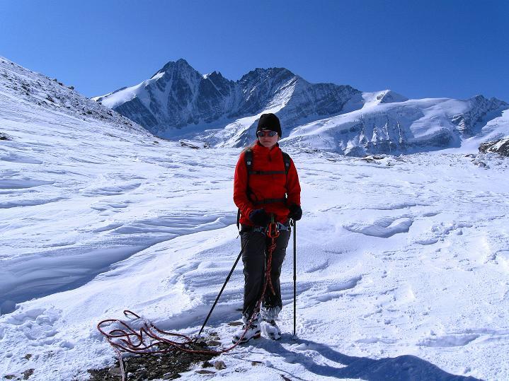 Foto: Andreas Koller / Wander Tour / Fuscherkarkopf (3336m) - Überschreitung / Blick von der Fuscherkar Scharte zum nahen Großglockner (3798 m) / 02.10.2008 02:55:23