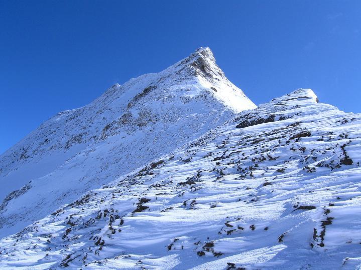 Foto: Andreas Koller / Wander Tour / Fuscherkarkopf (3336m) - Überschreitung / Der NW-Grat steilt sich auf / 02.10.2008 02:53:35