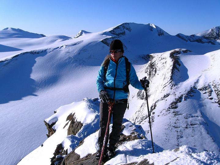 Foto: Andreas Koller / Wander Tour / Fuscherkarkopf (3336m) - Überschreitung / Vor allem bei Schnee zeigt sich der Grat recht scharf / 02.10.2008 02:52:44