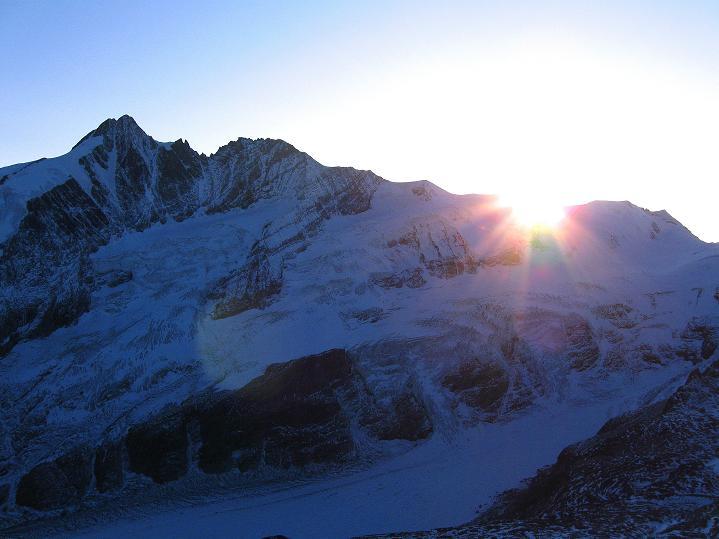 Foto: Andreas Koller / Wander Tour / Fuscherkarkopf (3336m) - Überschreitung / Sonnenuntergang über dem Großglockner (3798 m) / 02.10.2008 02:49:04