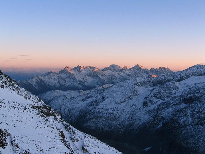 Foto: Andreas Koller / Wander Tour / Fuscherkarkopf (3336m) - Überschreitung / Sonnenuntergang über der Schobergruppe / 02.10.2008 02:48:19