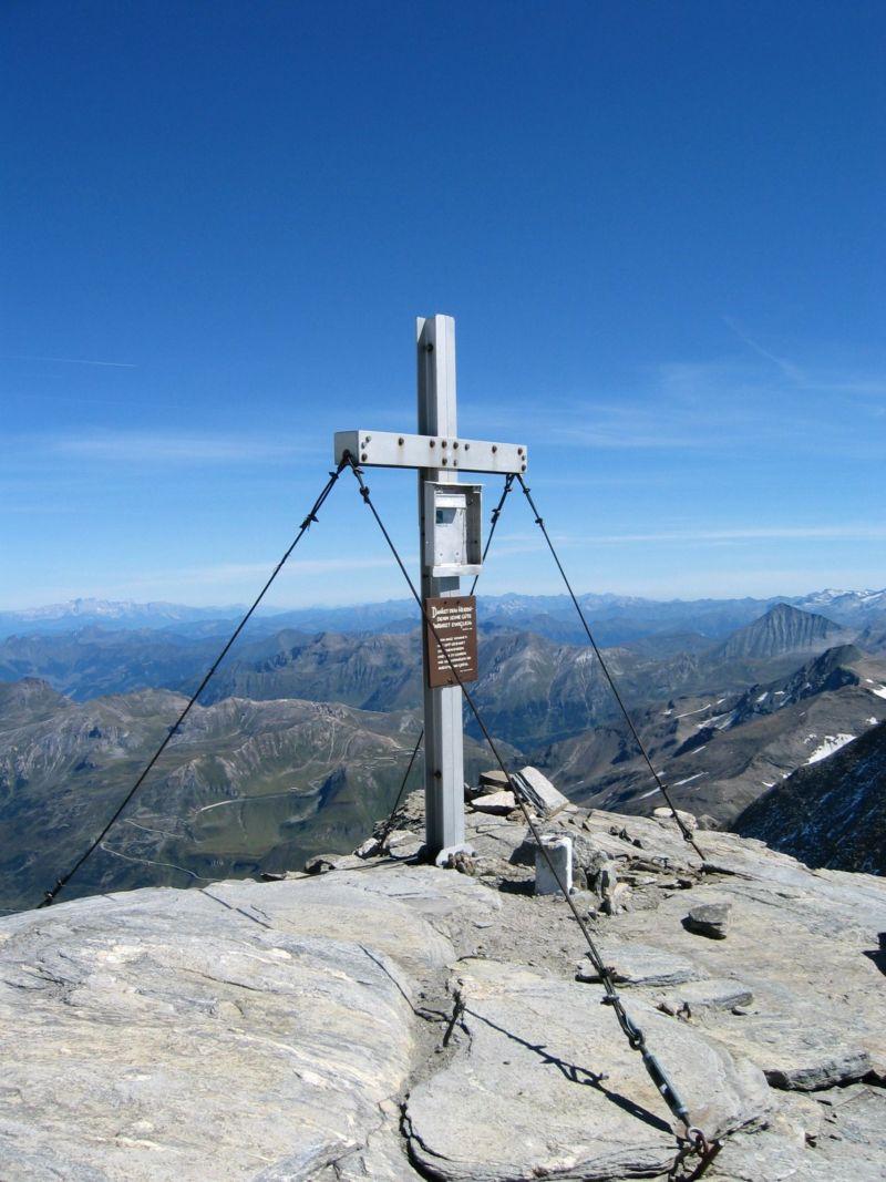 Foto: Gernot Huber / Wander Tour / Fuscherkarkopf (3336m) - Überschreitung / 28.01.2011 14:51:18