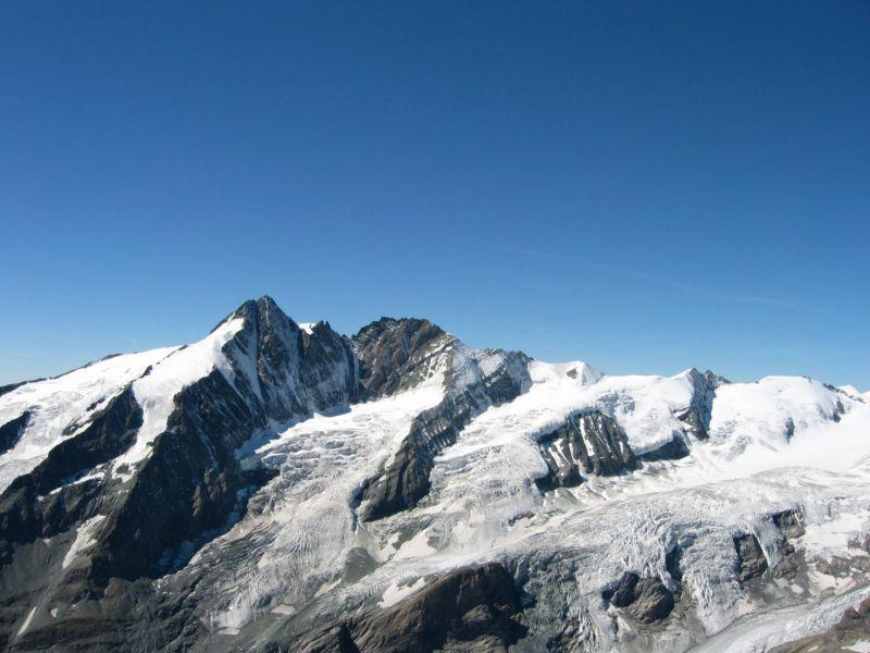Foto: Gernot Huber / Wander Tour / Fuscherkarkopf (3336m) - Überschreitung / Blick in die Nachbarschaft / 28.01.2011 14:51:42