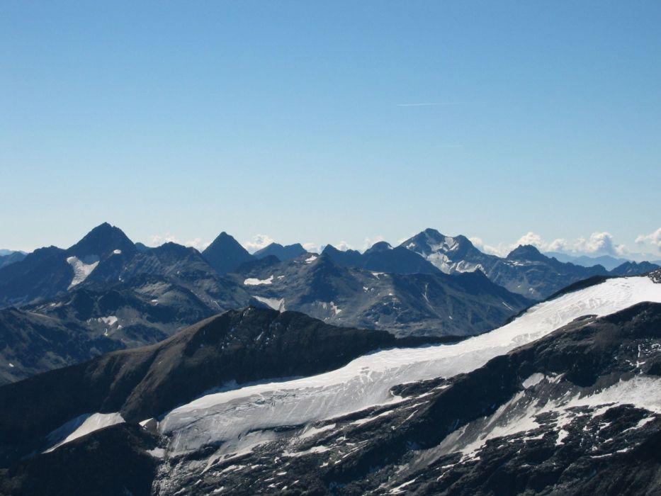 Foto: Gernot Huber / Wander Tour / Fuscherkarkopf (3336m) - Überschreitung / Richtung Schobergruppe / 28.01.2011 14:52:08
