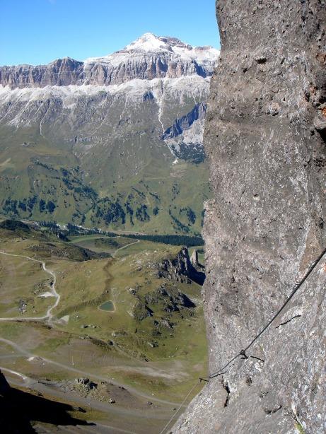 Foto: Manfred Karl / Klettersteig Tour / Via ferrata delle Trincee / Blick zum Piz Boe / 04.10.2008 14:28:20
