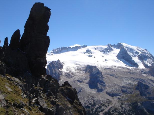 Foto: Manfred Karl / Klettersteig Tour / Via ferrata delle Trincee / Am Klettersteig kommt man an teils bizarren Türmen vorbei / 04.10.2008 14:23:22
