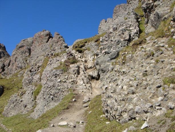 Foto: Manfred Karl / Klettersteig Tour / Via ferrata delle Trincee / Typisch für den Padonkamm: Das Konglomeratgestein / 04.10.2008 14:17:21