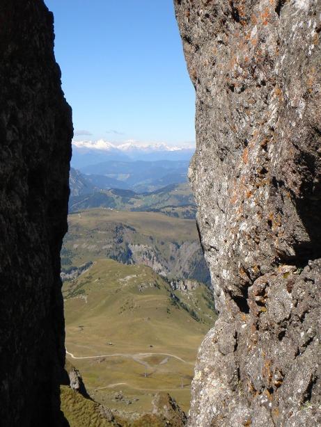 Foto: Manfred Karl / Klettersteig Tour / Via ferrata delle Trincee / Ausblick in die Hohen Tauern / 04.10.2008 14:16:44