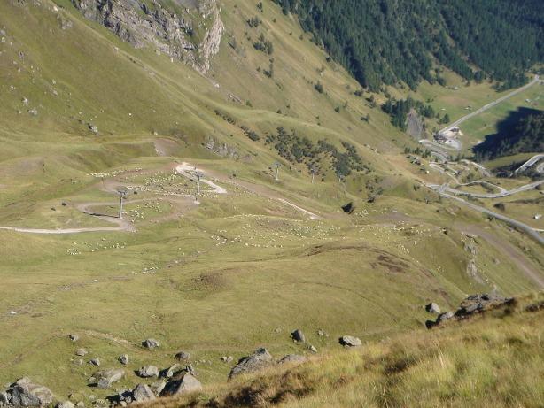 Foto: Manfred Karl / Klettersteig Tour / Via ferrata delle Trincee / Tiefblick von der Mesola / 04.10.2008 14:15:33