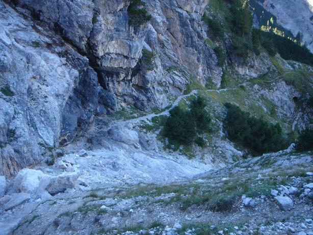 Foto: Manfred Karl / Klettersteig Tour / Via ferrata René de Pol / Zustiegsweg zum Klettersteig / 04.10.2008 17:19:16