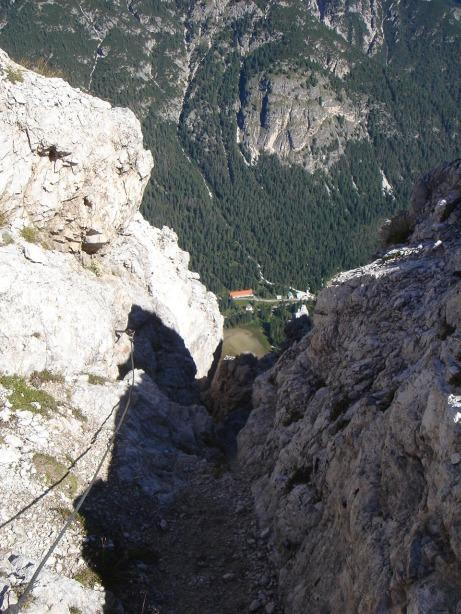 Foto: Manfred Karl / Klettersteig Tour / Via ferrata René de Pol / Ausstieg des Klettersteiges / 04.10.2008 17:14:17