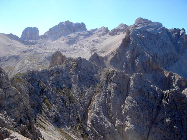Foto: Manfred Karl / Klettersteig Tour / Via ferrata René de Pol / Blick über die Forame di Fuori zum Cristallokamm / 04.10.2008 17:13:58