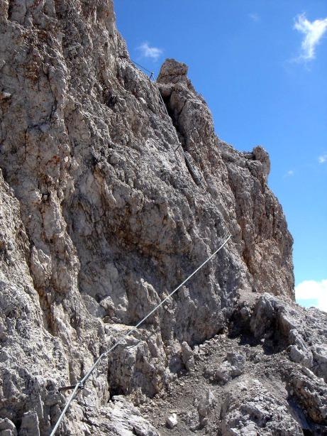 Foto: Manfred Karl / Klettersteig Tour / Via ferrata René de Pol / Das letzte Stück unterm Gipfel / 04.10.2008 17:00:43