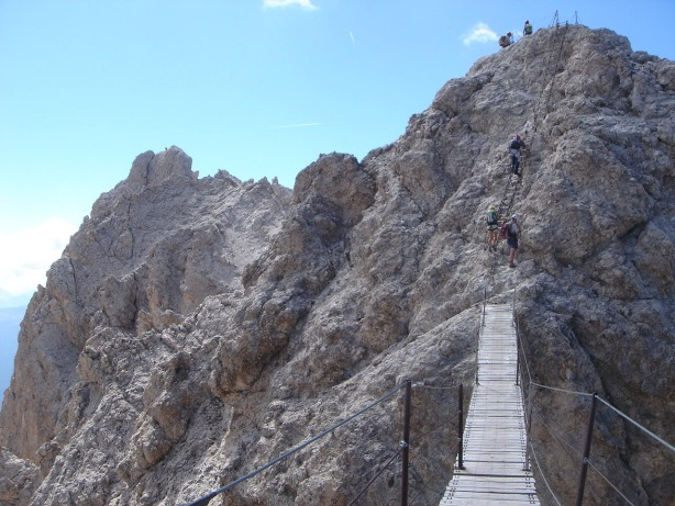 Foto: Manfred Karl / Klettersteig Tour / Via ferrata René de Pol / Cristallo-Hängebrücke / 04.10.2008 16:58:04