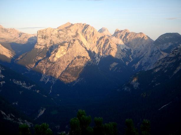 Foto: Manfred Karl / Klettersteig Tour / Via ferrata Ivano Dibona / Frühes Morgenlicht / 04.10.2008 16:43:32