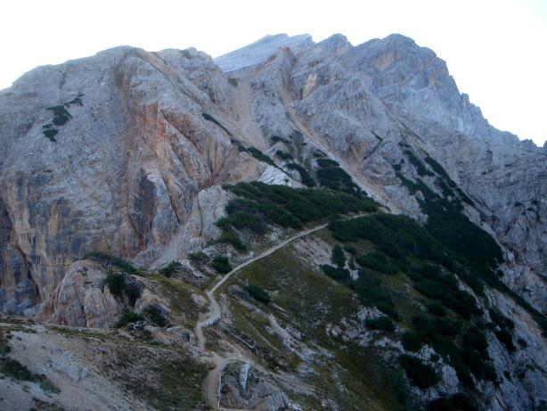 Foto: Manfred Karl / Klettersteig Tour / Via ferrata Ivano Dibona / Blick vom Col dei Stombi zum Zurlon / 04.10.2008 16:42:09