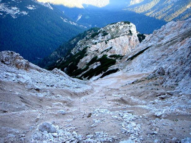 Foto: Manfred Karl / Klettersteig Tour / Via ferrata Ivano Dibona / Schuttreise zwischen Col dei Stombi und Zurlon / 04.10.2008 16:41:25