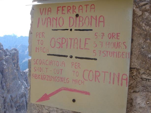 Foto: Manfred Karl / Klettersteig Tour / Via ferrata Ivano Dibona / Auch in der allgemein üblichen Richtung ein langer Weg nach Ospitale / 04.10.2008 16:17:35