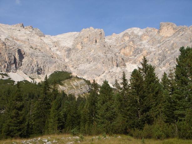 Foto: Manfred Karl / Klettersteig Tour / Via ferrata Ivano Dibona / Oben am Grat verläuft der Dibonasteig / 04.10.2008 16:03:29