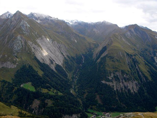 Foto: Manfred Karl / Kletter Tour / Über den Direkten Ostgrat auf die Blauspitze IV / Im gegenüberliegenden Teischnitztal gibt es einsame Tourenmöglichkeiten / 04.10.2008 12:45:19