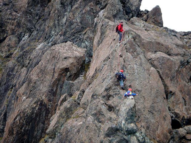 Foto: Manfred Karl / Kletter Tour / Über den Direkten Ostgrat auf die Blauspitze IV / Der Grat eignet sich gut für Einsteiger und auch für klettergewandte Kinder / 04.10.2008 12:43:25