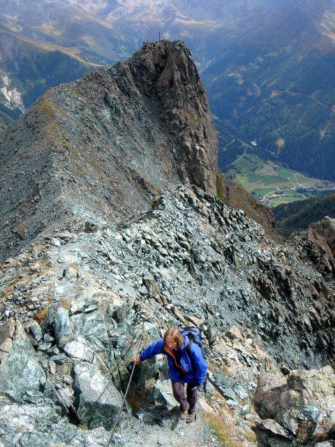 Foto: Manfred Karl / Kletter Tour / Über den Direkten Ostgrat auf die Blauspitze IV / Kurzer Gegenanstieg zum Blauen Knopf / 04.10.2008 12:37:29