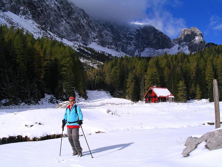 Foto: Andreas Koller / Klettersteig Tour / Ferrata Enrico Contin (2240m) / Der weite, romantische Talboden bei der Winkelalm / 06.10.2008 19:50:16