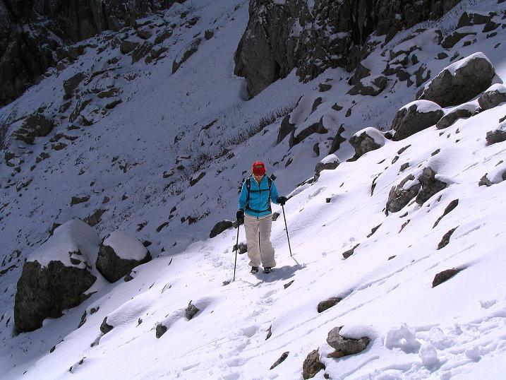 Foto: Andreas Koller / Klettersteig Tour / Ferrata Enrico Contin (2240m) / Licht und Schatten im Aufstieg zur Rinne / 06.10.2008 19:46:39
