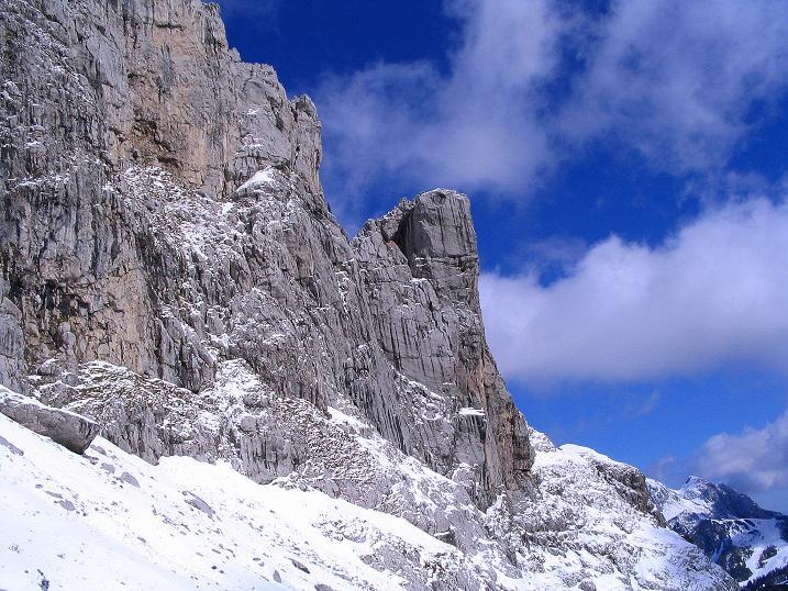 Foto: Andreas Koller / Klettersteig Tour / Ferrata Enrico Contin (2240m) / Winkelturm (2071 m) und Gartnerkofel (2195 m) im Hintergrund / 06.10.2008 19:46:18