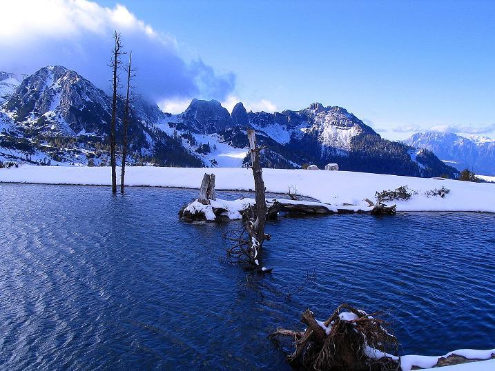 Foto: Andreas Koller / Klettersteig Tour / Ferrata Enrico Contin (2240m) / Kleiner See mit Blick zum benachbarten Trogkofel (2280 m) / 06.10.2008 19:36:12