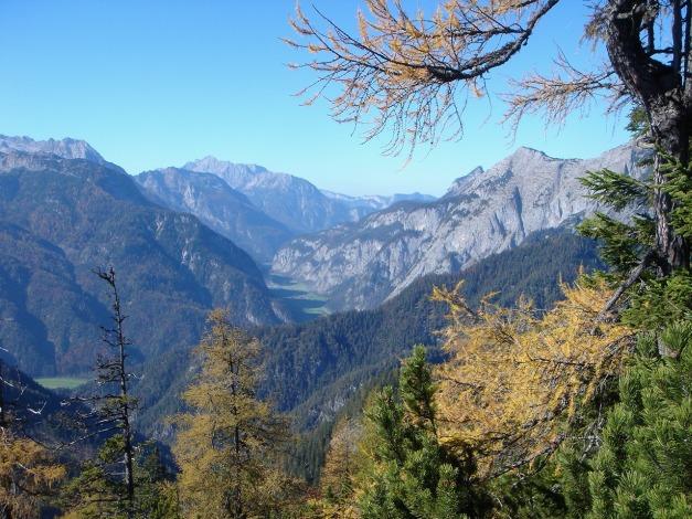 Foto: Manfred Karl / Klettersteig Tour / Über den Wildental Klettersteig auf das Persailhorn / Blick übers Saalachtal / 11.10.2008 21:56:09