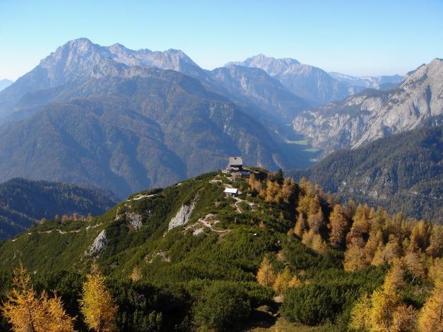 Foto: Manfred Karl / Klettersteig Tour / Über den Wildental Klettersteig auf das Persailhorn / Die Wiechenthaler Hütte steht auf einem herrlichen Aussichtsthron und ist für sich schon eine lohnende Tour! / 11.10.2008 21:54:45