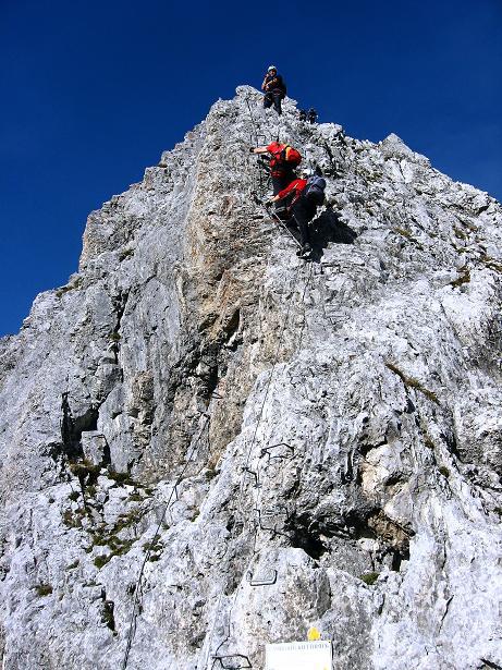 Foto: Andreas Koller / Klettersteig Tour / Innsbrucker Klettersteig - Hannes Gasser Panorama Klettersteig (2480m) / Senkrechte Einstiegswand / 15.10.2008 01:37:10