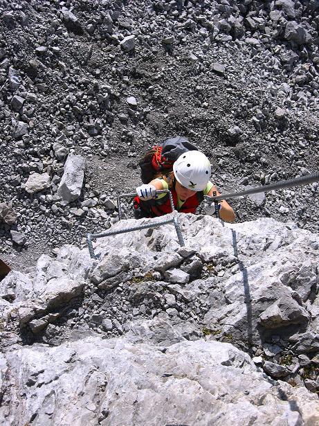Foto: Andreas Koller / Klettersteig Tour / Innsbrucker Klettersteig - Hannes Gasser Panorama Klettersteig (2480m) / Die senkrechte Einstiegswand (C) / 15.10.2008 01:36:53