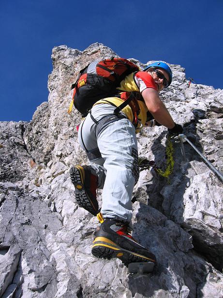 Foto: Andreas Koller / Klettersteig Tour / Innsbrucker Klettersteig - Hannes Gasser Panorama Klettersteig (2480m) / Steil hinauf zur Seegrubenspitze / 15.10.2008 01:36:24