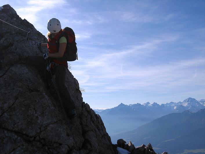 Foto: Andreas Koller / Klettersteig Tour / Innsbrucker Klettersteig - Hannes Gasser Panorama Klettersteig (2480m) / Abstieg von der Seegrubenspitze / 15.10.2008 01:35:06