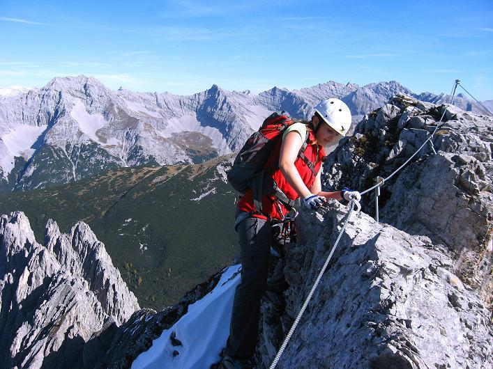 Foto: Andreas Koller / Klettersteig Tour / Innsbrucker Klettersteig - Hannes Gasser Panorama Klettersteig (2480m) / Gratpassage zur Kaminspitze / 15.10.2008 01:30:29