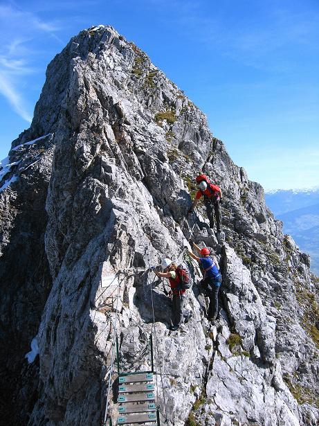 Foto: Andreas Koller / Klettersteig Tour / Innsbrucker Klettersteig - Hannes Gasser Panorama Klettersteig (2480m) / Die luftige Seufzerbrücke / 15.10.2008 01:26:24