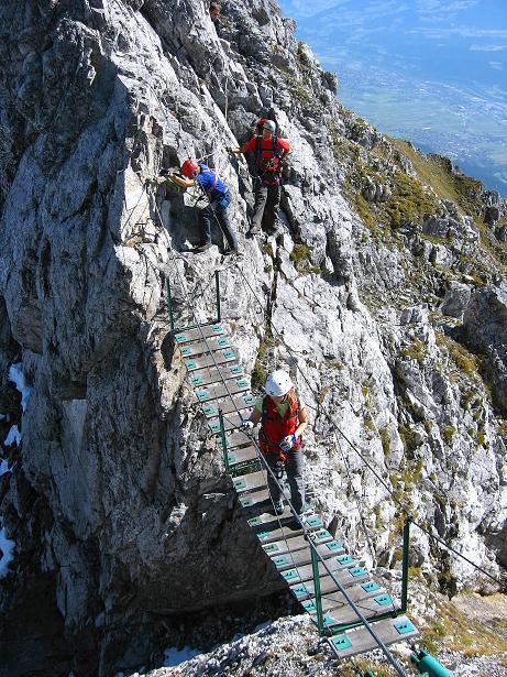 Foto: Andreas Koller / Klettersteig Tour / Innsbrucker Klettersteig - Hannes Gasser Panorama Klettersteig (2480m) / Auf der Seufzerbrücke / 15.10.2008 01:26:03