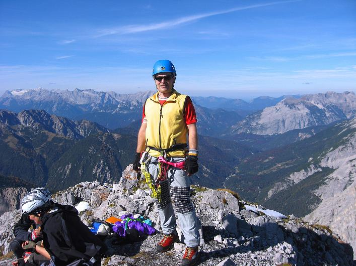 Foto: Andreas Koller / Klettersteig Tour / Innsbrucker Klettersteig - Hannes Gasser Panorama Klettersteig (2480m) / Blick vom Kemacher auf die Zugspitze (2963 m) / 15.10.2008 01:21:18