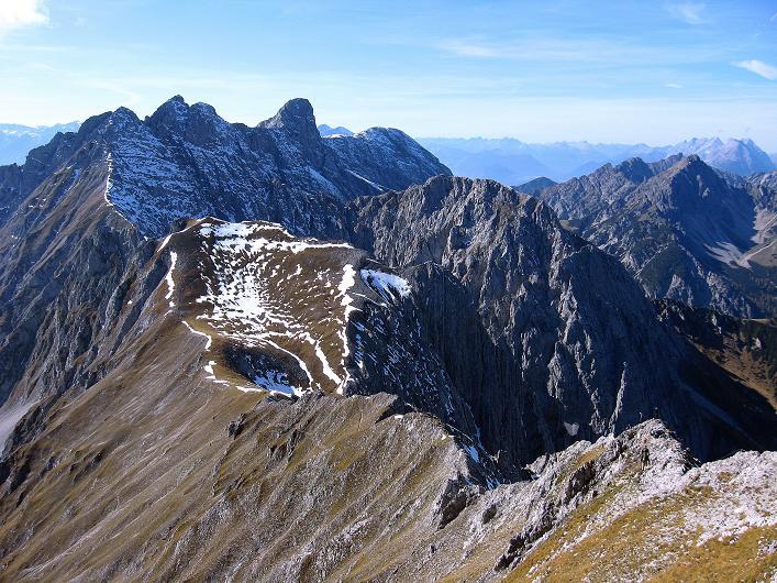 Foto: Andreas Koller / Klettersteig Tour / Innsbrucker Klettersteig - Hannes Gasser Panorama Klettersteig (2480m) / Der Gratverlauf in den Langen Sattel / 15.10.2008 01:20:51