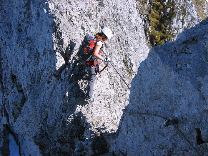 Foto: Andreas Koller / Klettersteig Tour / Innsbrucker Klettersteig - Hannes Gasser Panorama Klettersteig (2480m) / Ausgesetzte Stelle am Kemacher W-Grat / 15.10.2008 01:16:19