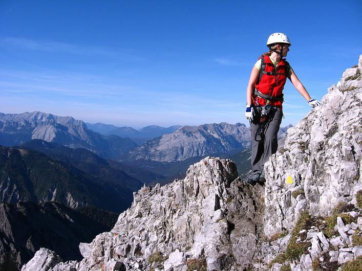 Foto: Andreas Koller / Klettersteig Tour / Innsbrucker Klettersteig - Hannes Gasser Panorama Klettersteig (2480m) / Kurze ungesicherte Passagen im Abstieg zum Langen Sattel / 15.10.2008 01:15:44