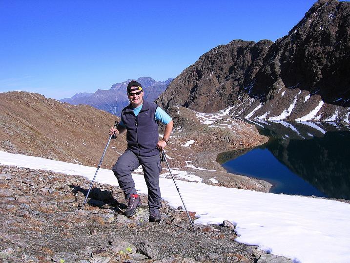 Foto: Andreas Koller / Wander Tour / Söldner Wandertour: Schwarzkogel (3018m) und Rotkogel (2947m) / Schwarzsee vom Schwarzkogel Joch gesehen / 16.10.2008 01:18:52