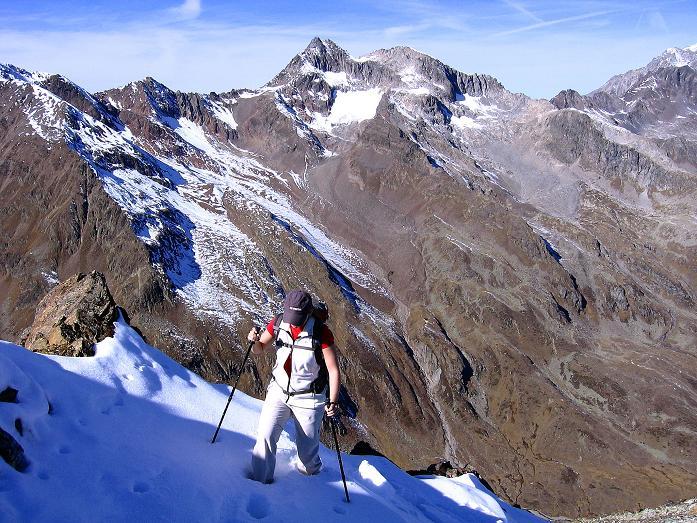 Foto: Andreas Koller / Wander Tour / Söldner Wandertour: Schwarzkogel (3018m) und Rotkogel (2947m) / Am Grat mit Blick auf den Geigenkamm / 16.10.2008 01:17:11